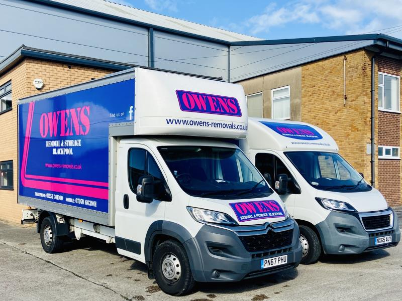 Large or small job? We have all sized vehicles available from a courier van to the full size removal vehicle.